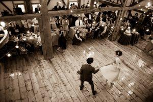 Sepia-Dance
